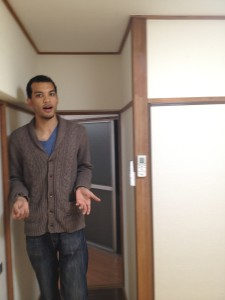 Checking out an apartment in the Shinagawa area on a search with my roommate